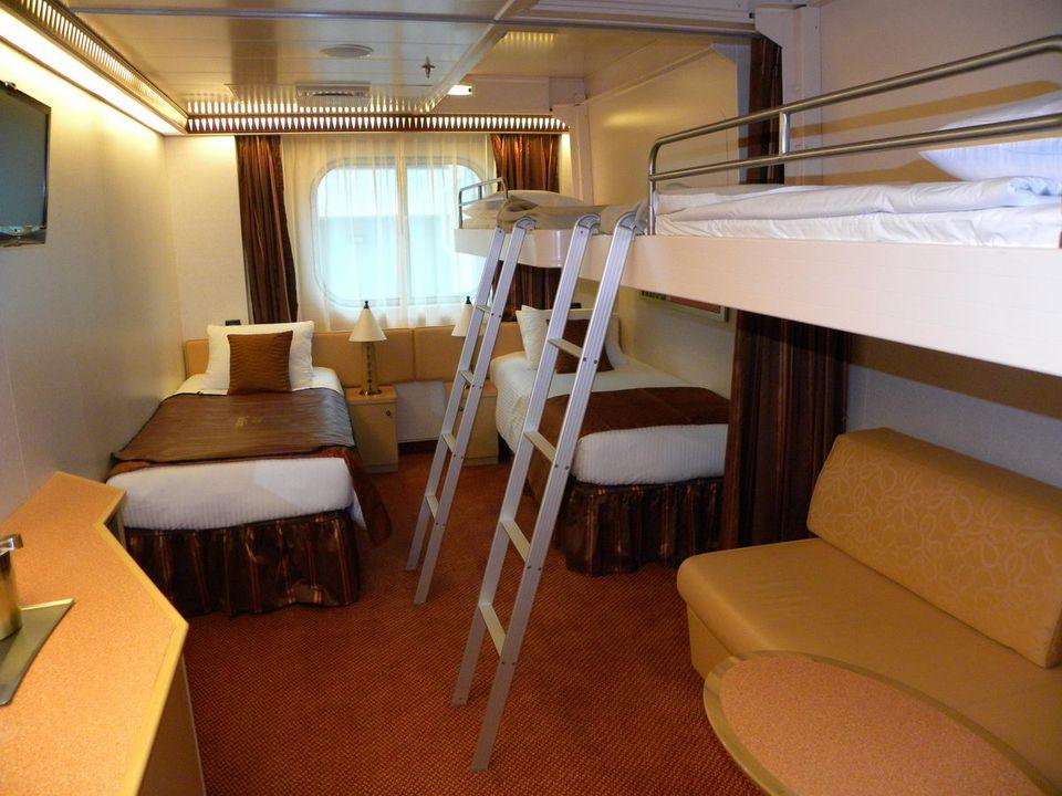 Carnival Dream Family Quint Cabin