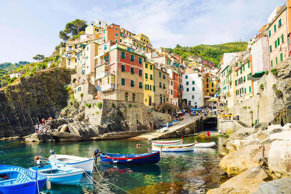 Cinque terre map and free travel guide to the five villages for Hotels 5 terres