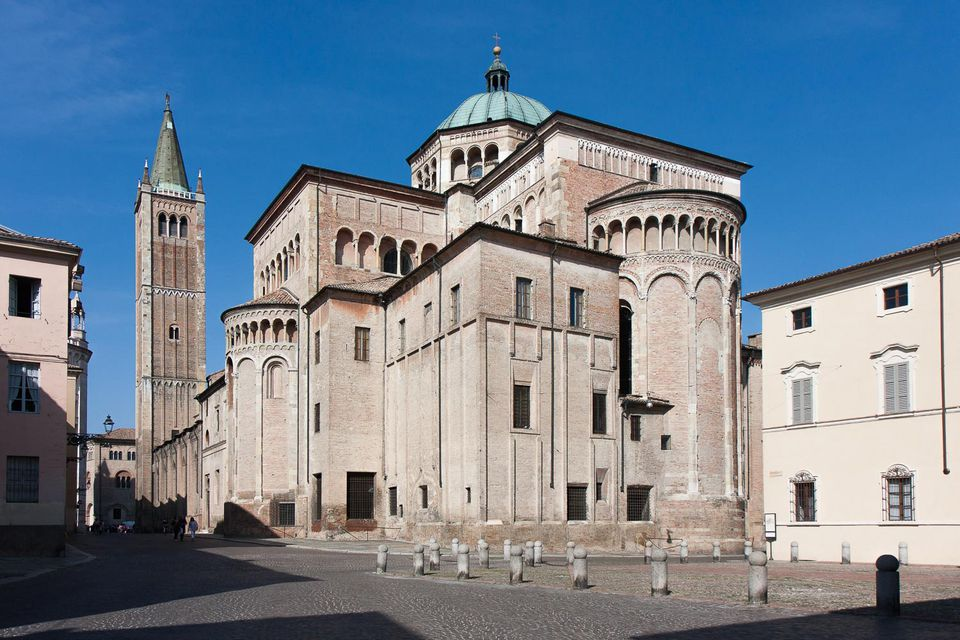 parma cathedral photo