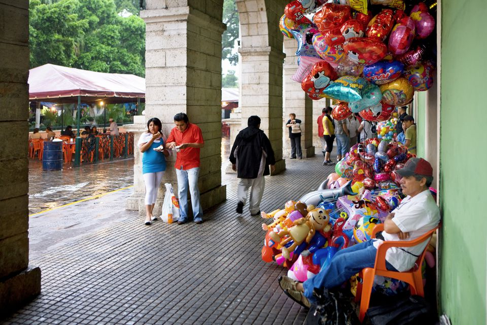 Balloon seller in Mérida, Yucatan