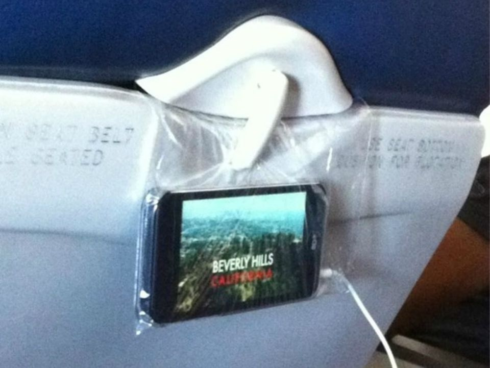 Pinterest_AirTravelHacks_InflightMovie.jpg
