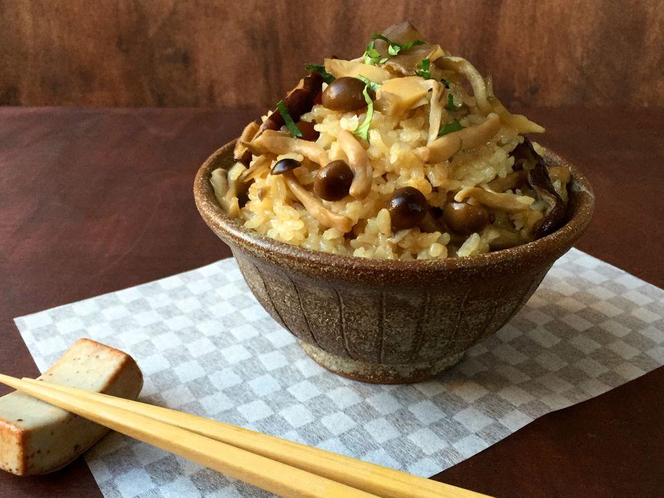 1-Kinoko-Gohan-Mushroom-Rice.jpg