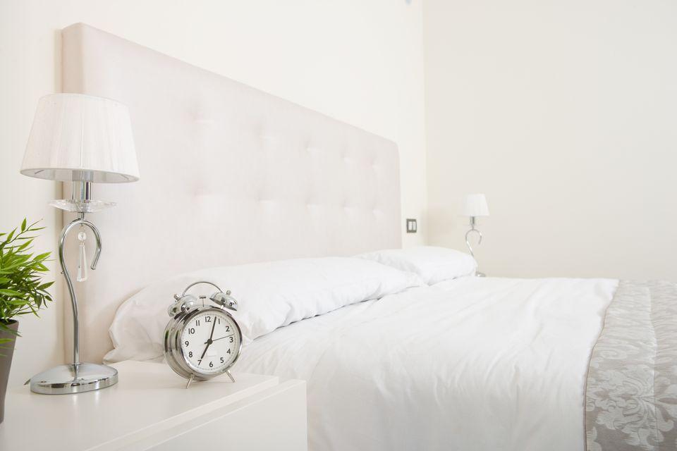 silver-white-bedroom.jpg