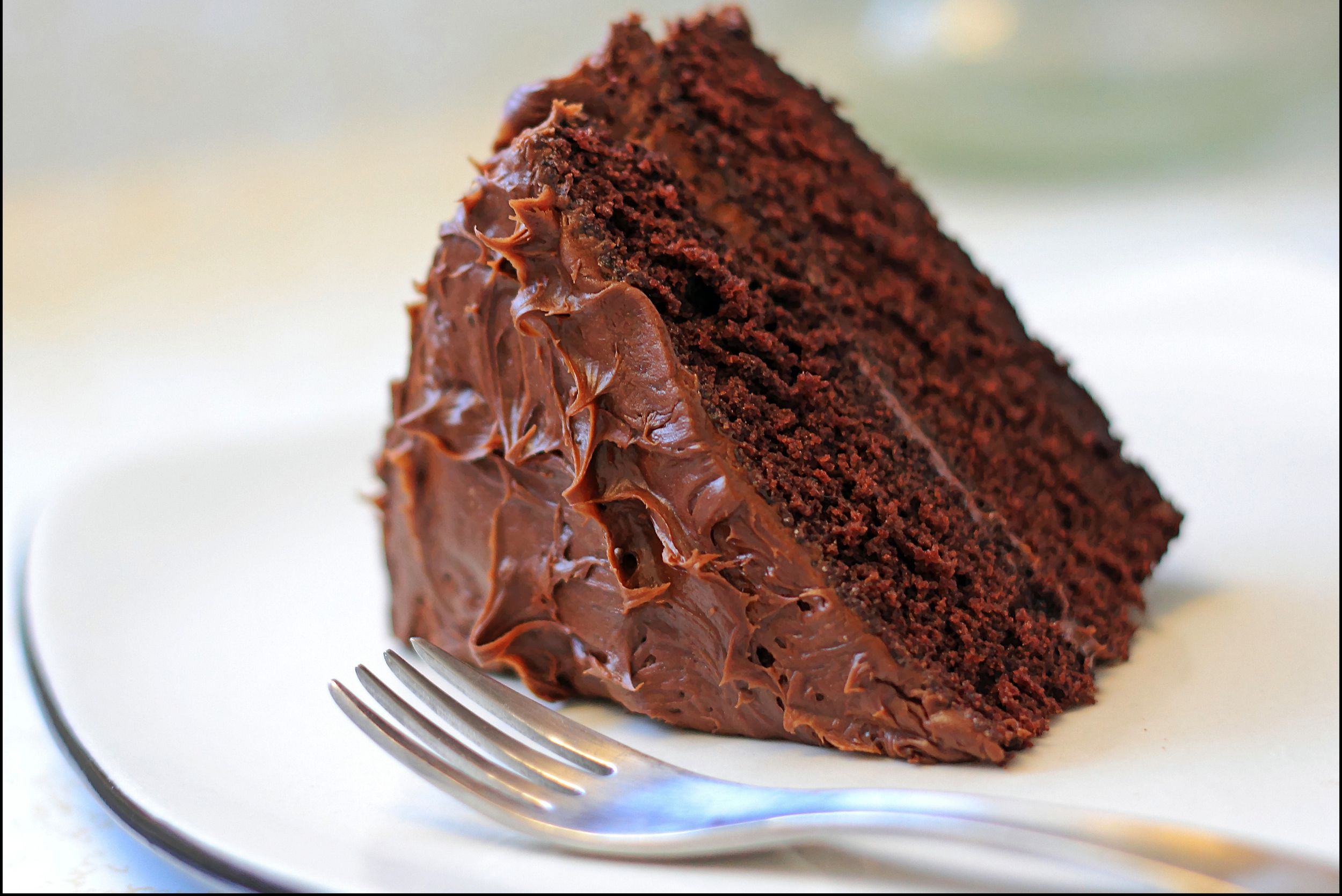 Cake Recipes In Pictures: Classic And Easy Chocolate Cake Recipe