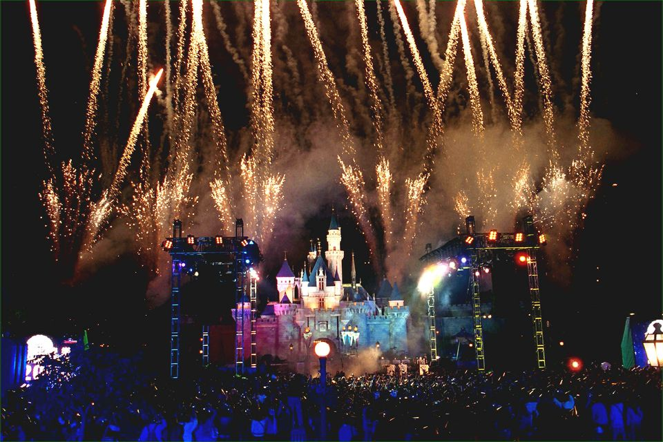 are hong kong disneyland packages worth it