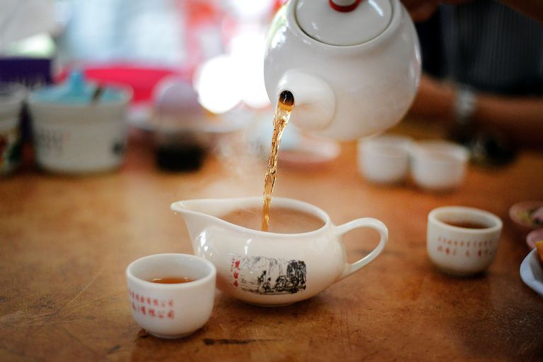 a step by step guide to brewing chinese tea enjoy the fragrance of the tea