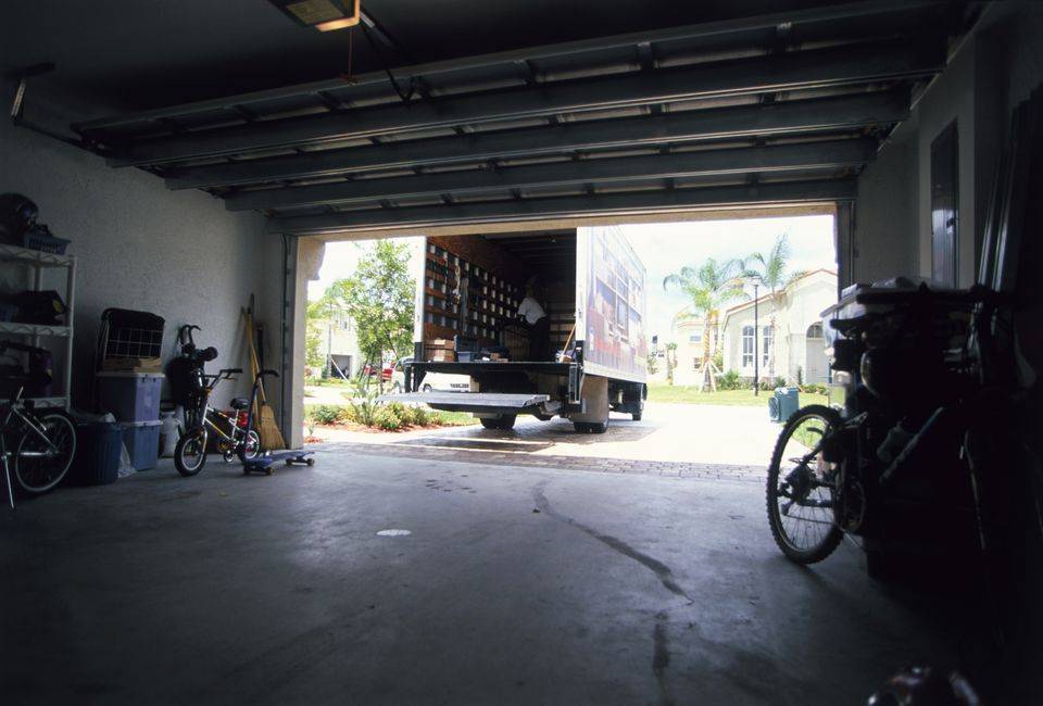 Garage Interior with Cracked Slab -a0125-000304