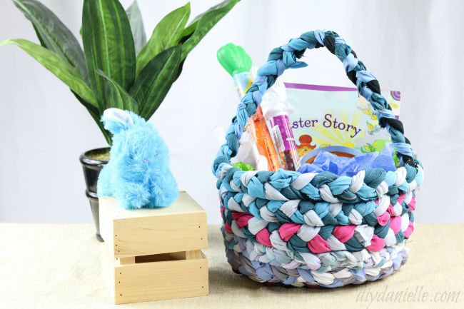 24 easter basket ideas we love how to make a no sew easter basket negle Choice Image