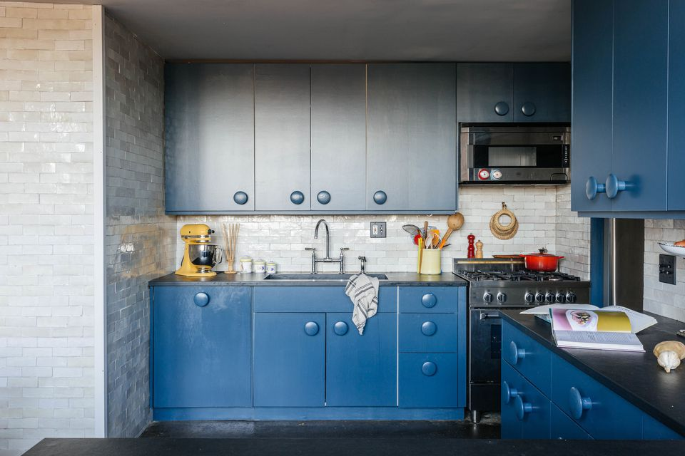 Beautiful blue kitchen cabinet ideas for Kitchen cabinets 65th street brooklyn