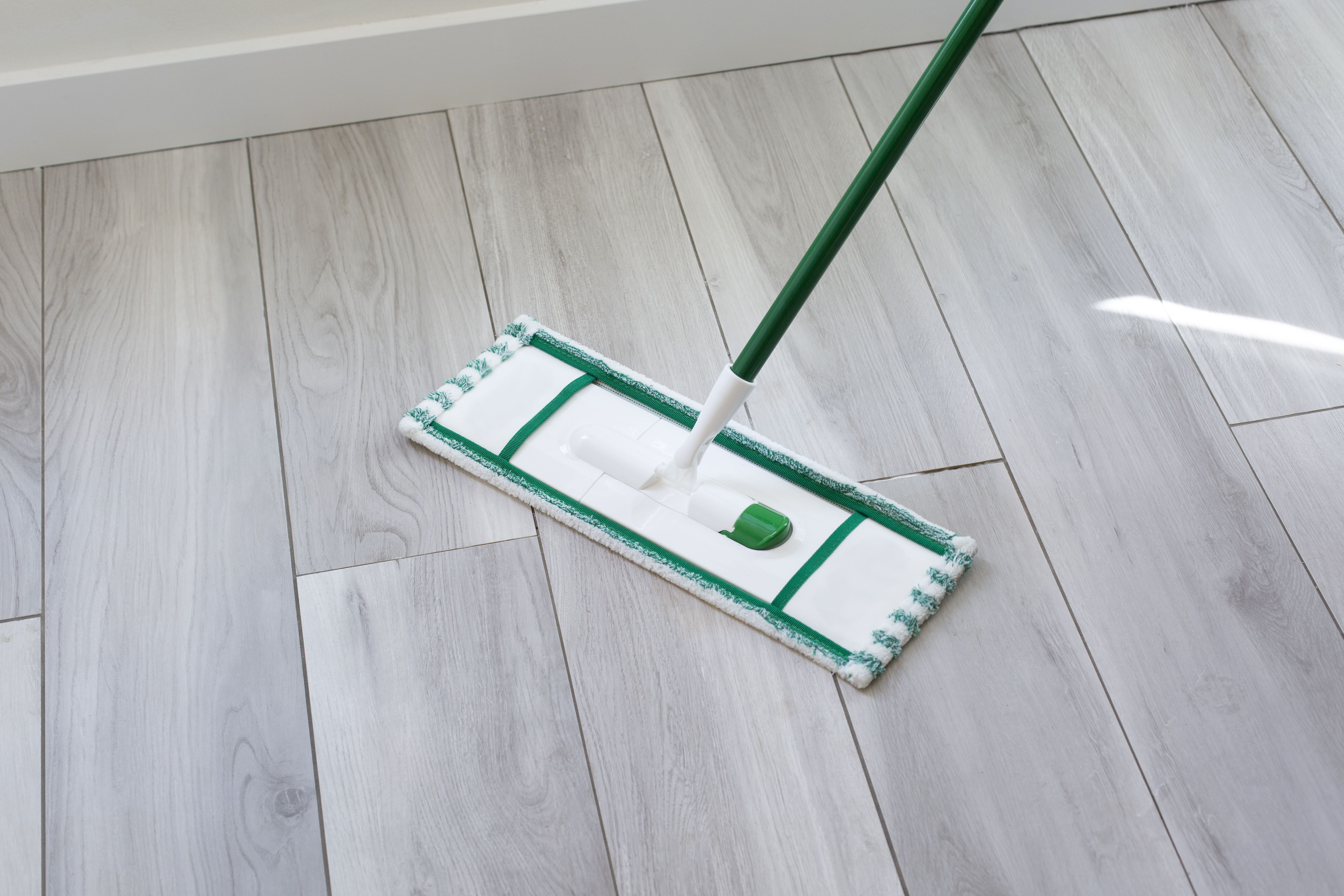 How To Clean And Remove Stains From Laminate Floors