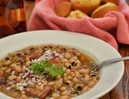 Crock Pot Southern Black Eyed Peas With Ham Hock Recipe