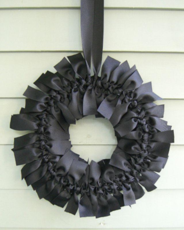 DIY Elegant Gothic Wreath