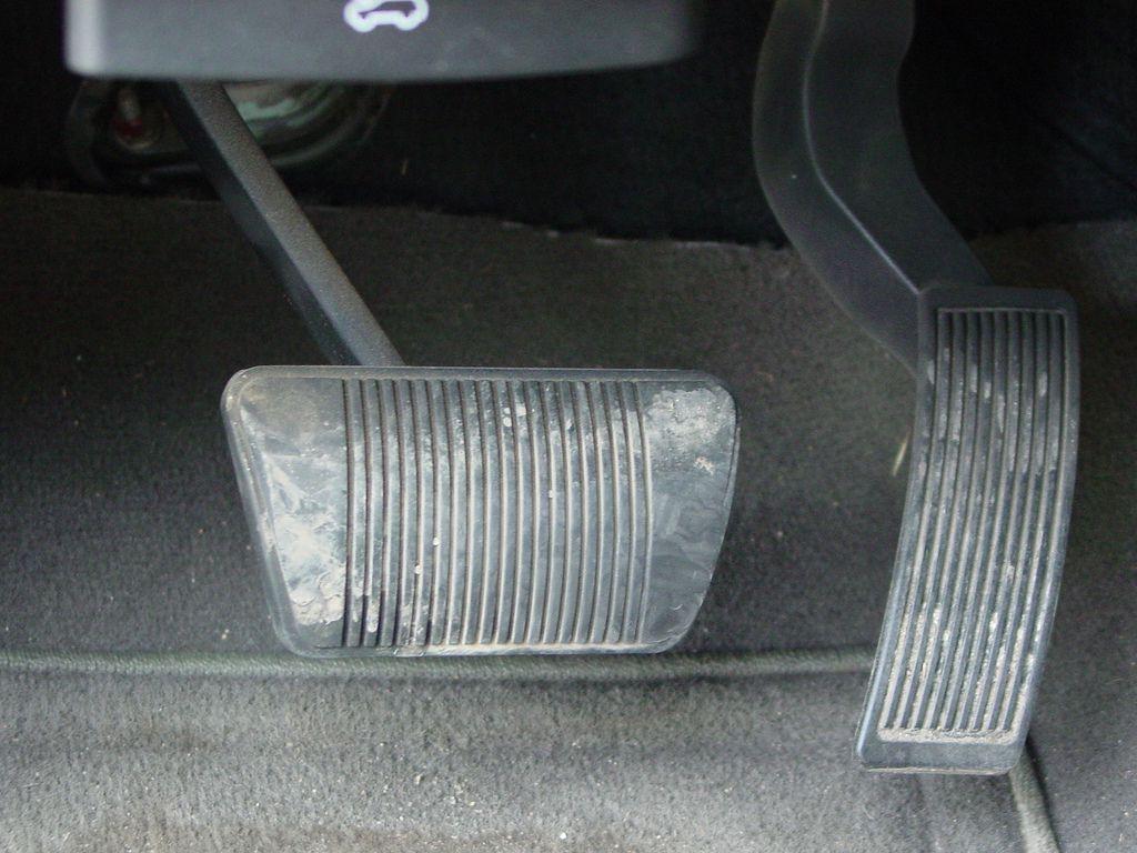 emergency brake assist in cars. Black Bedroom Furniture Sets. Home Design Ideas
