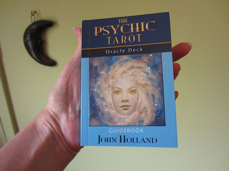 The Psychic Tarot Guidebook