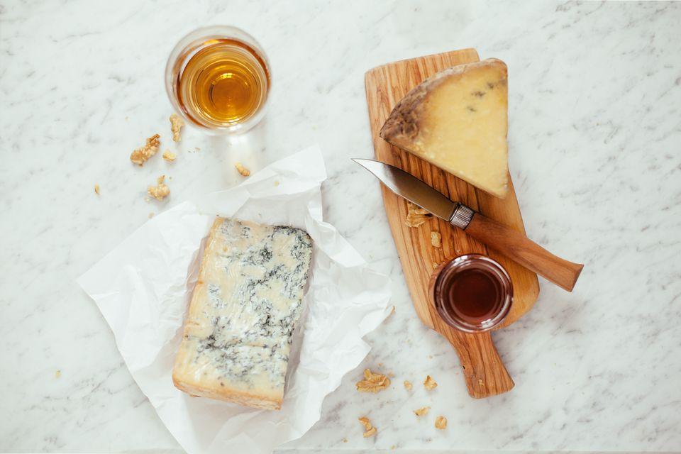 Blue cheese, honey, sweet wine, knife