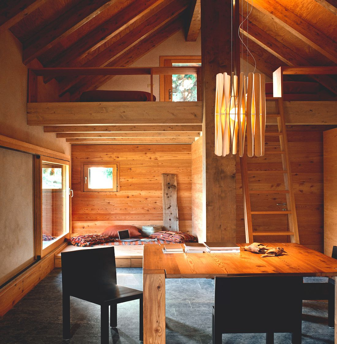 Amueblar y decorar una casa en la monta a for Amueblar casa completa