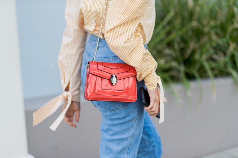 Street style in high waist denim jeans