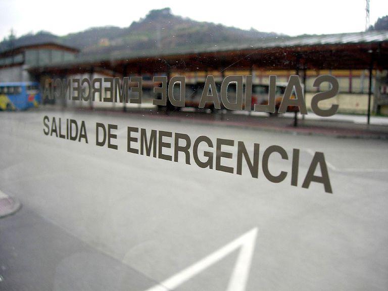 salida de emergencia for Spanish lesson on salir