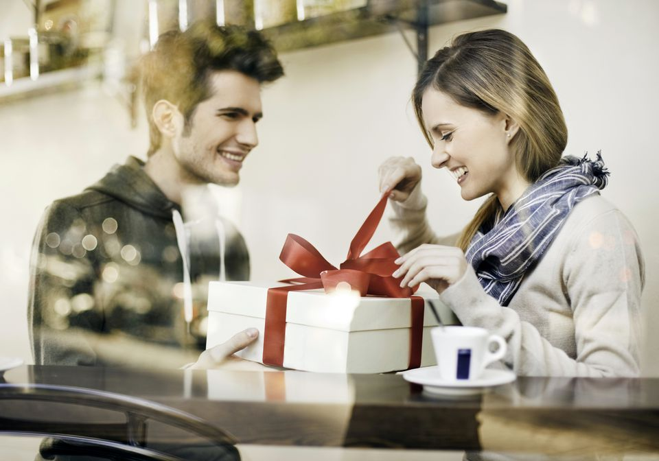 fun valentine's day gift ideas for engaged couples, Ideas