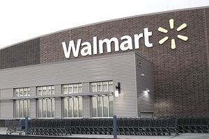 Exterior of a Walmart supercenter