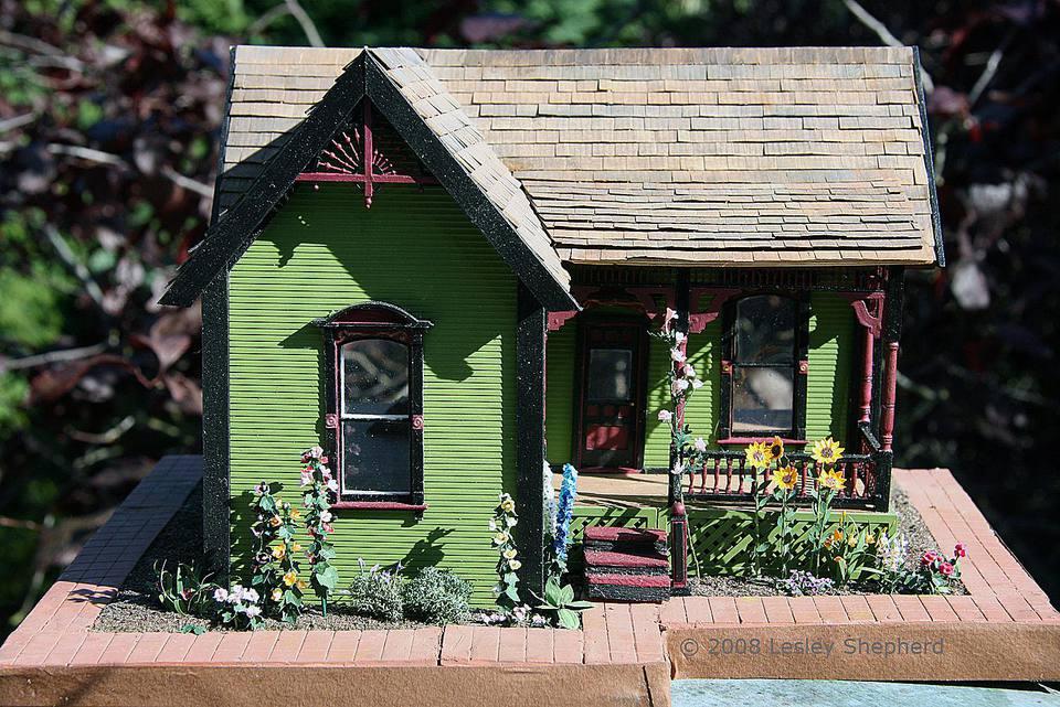 Quarter scale scratchbuilt farmhouse