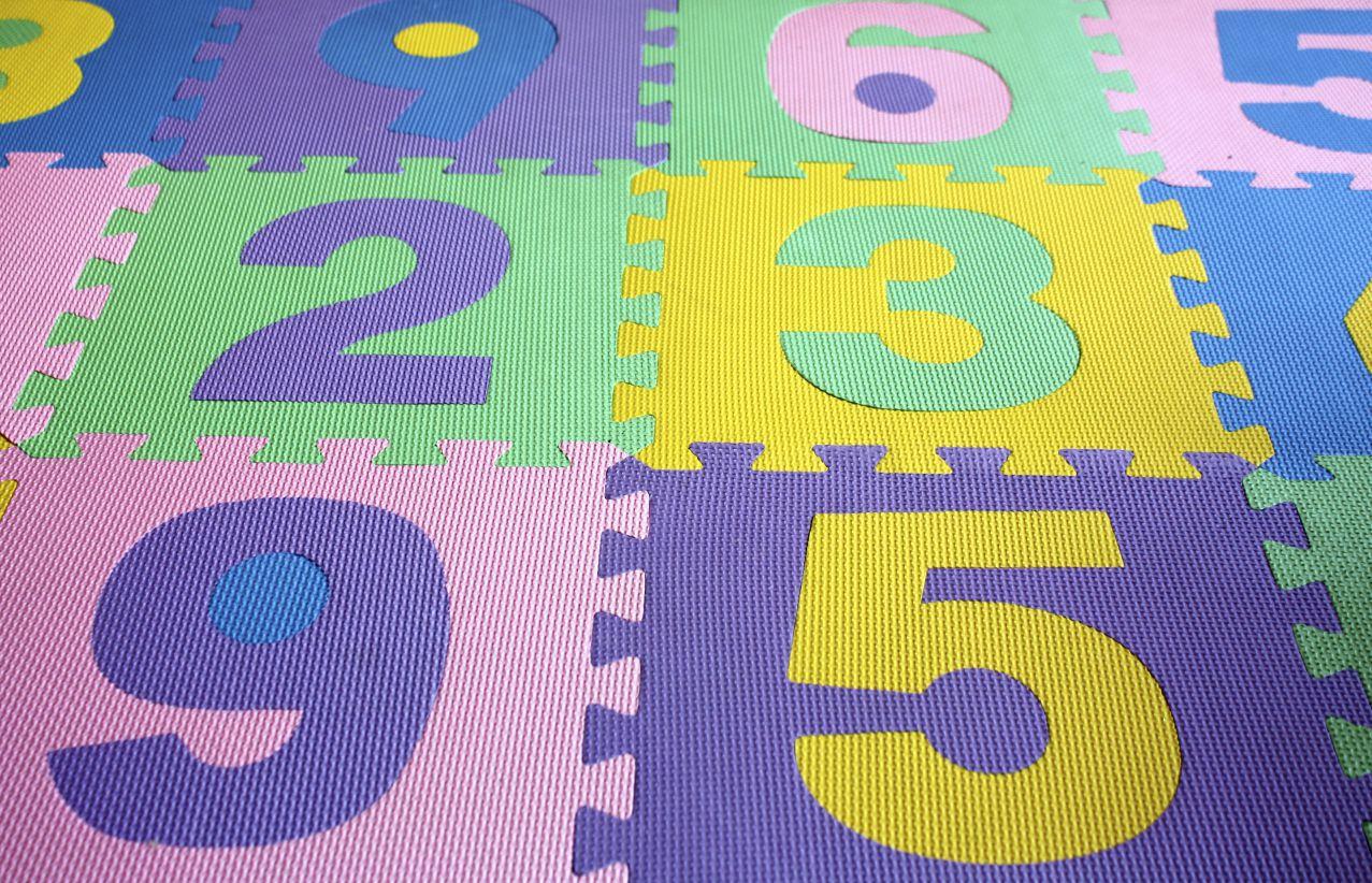 Productos de beb alfombras infantiles t xicas for Que son las alfombras