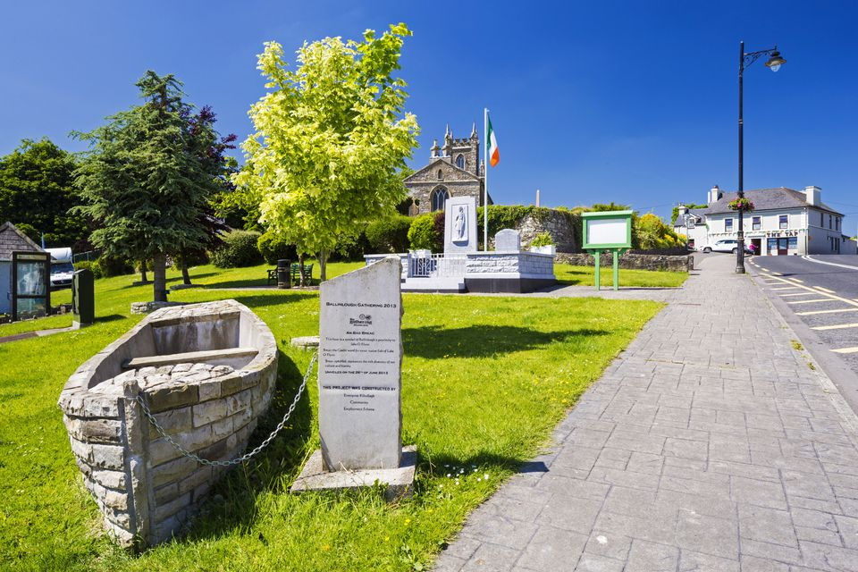 reland, County Roscommon, Ballinlough. Boat monument in small town