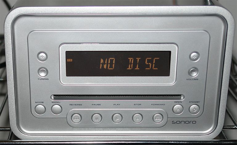 Sonoro Cubo AU-1300 CD Player/Clock Radio - Front View