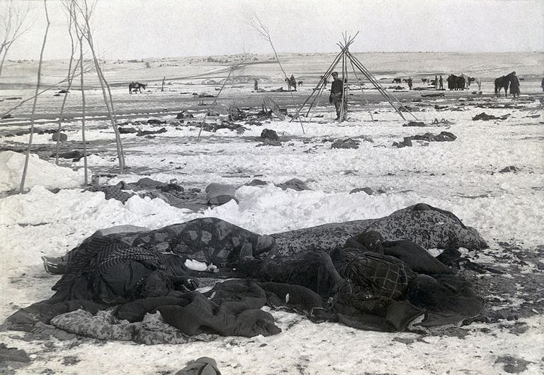800px-Wounded_Knee_aftermath5.jpg