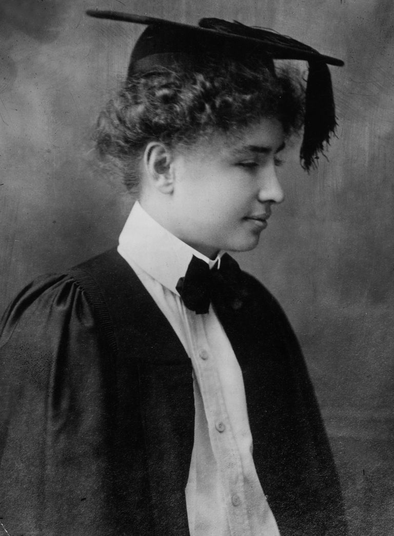 Helen Keller in 1904 - Topical Press Agency - Hulton Archives - Getty Images