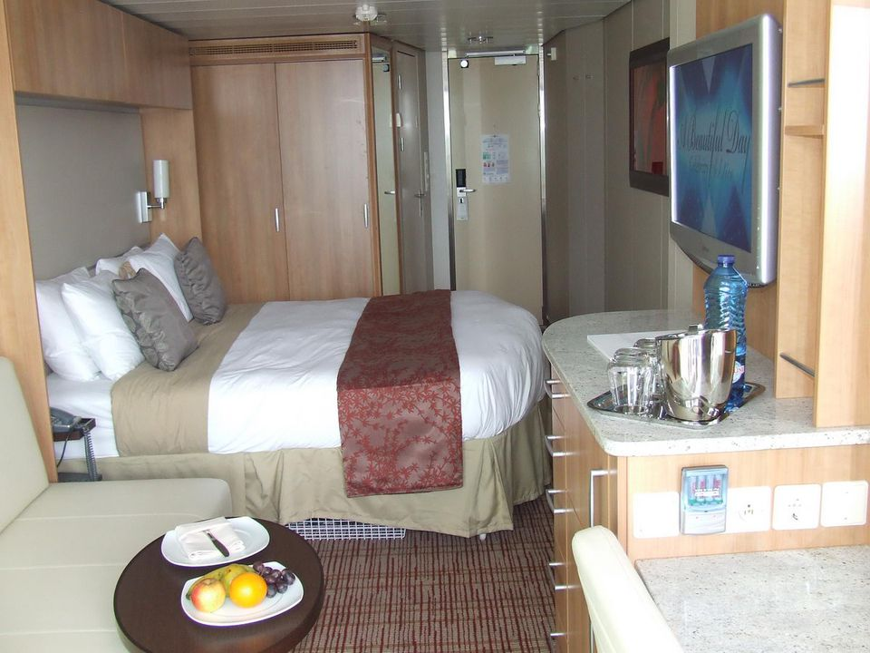 Celebrity Solstice Balcony Tour - Cabin 8279 - YouTube