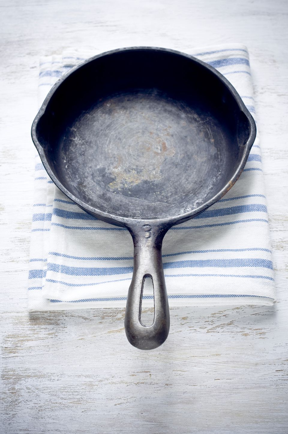 How To Properly Season Cast Iron Pans And Molds