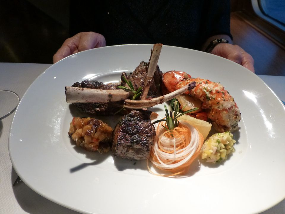 Dining On The Maasdam Of Holland America Line - Pinnacle grill