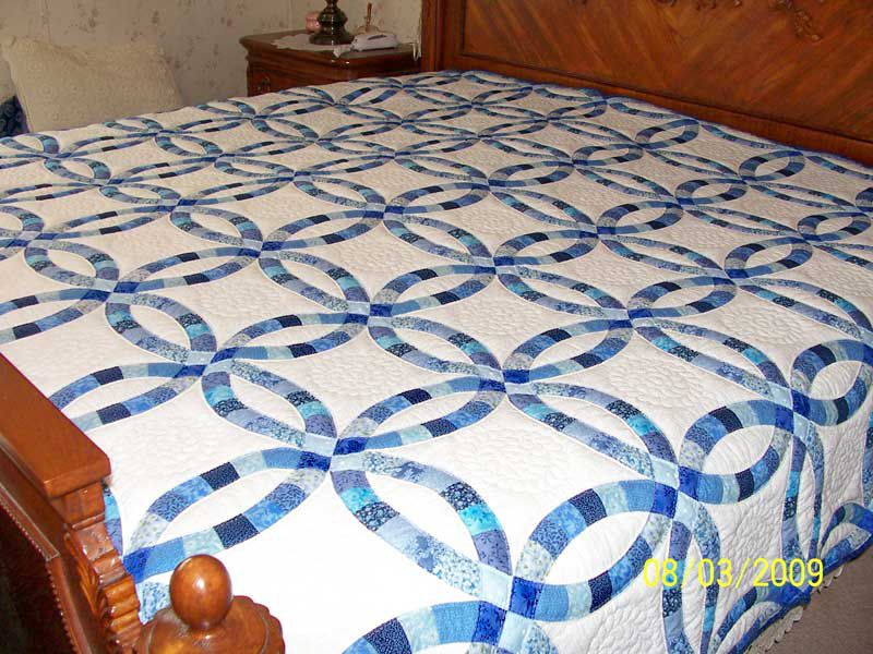 double wedding ring quilt new york and other quilts with a circular theme 3662