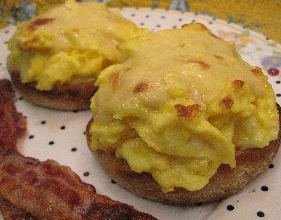 Scrambled-Eggs-Benedict.jpg