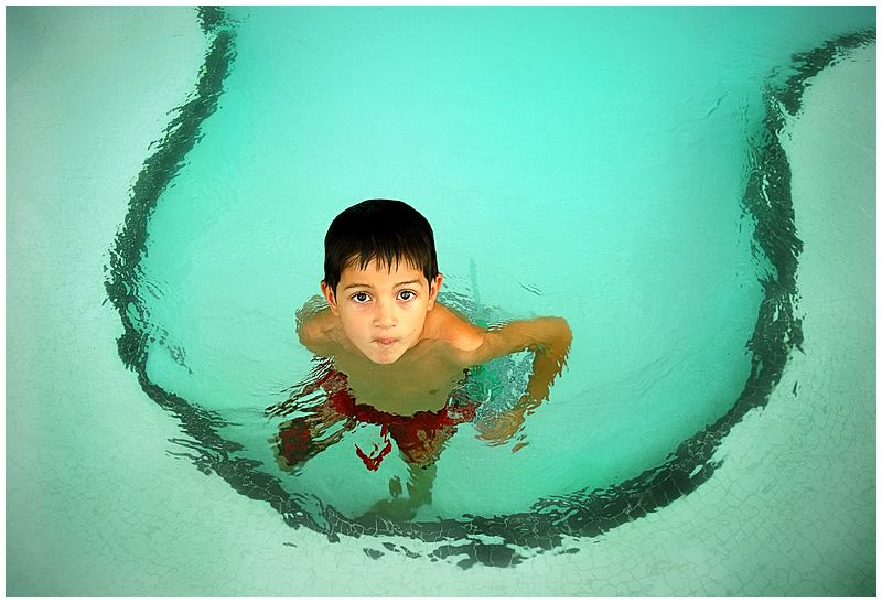 descriptive essay swimming pool Popp's english iii website homepage unit i: descriptive personal paragraph the water in the swimming pool seemed to astonish me in every motion it moved.
