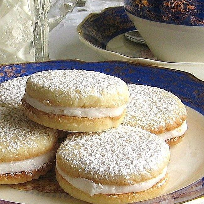 lemon-tea-sandwich-cookies.jpg