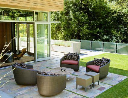 15 deck lighting ideas for every season for Garden rooms b q