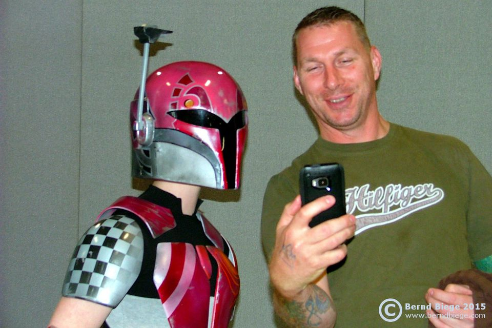 Being a fanboy at the MCM Comic Con ... selfies are part of the game, if you are a nerd in Dublin