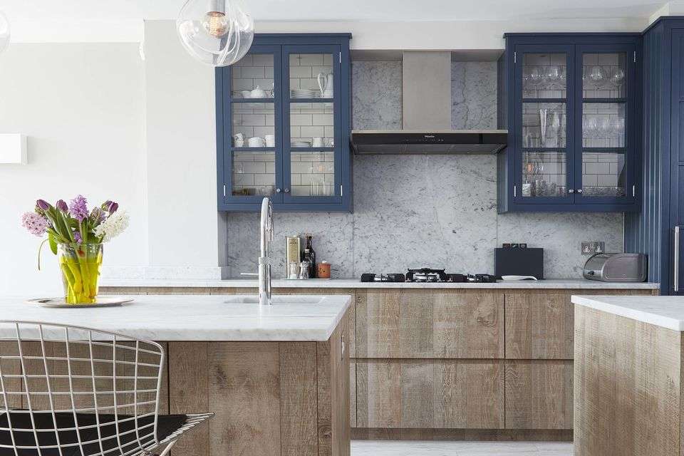 5 Beautiful Accent Wall Ideas To Spruce Up Your Home: Beautiful Blue Kitchen Cabinet Ideas