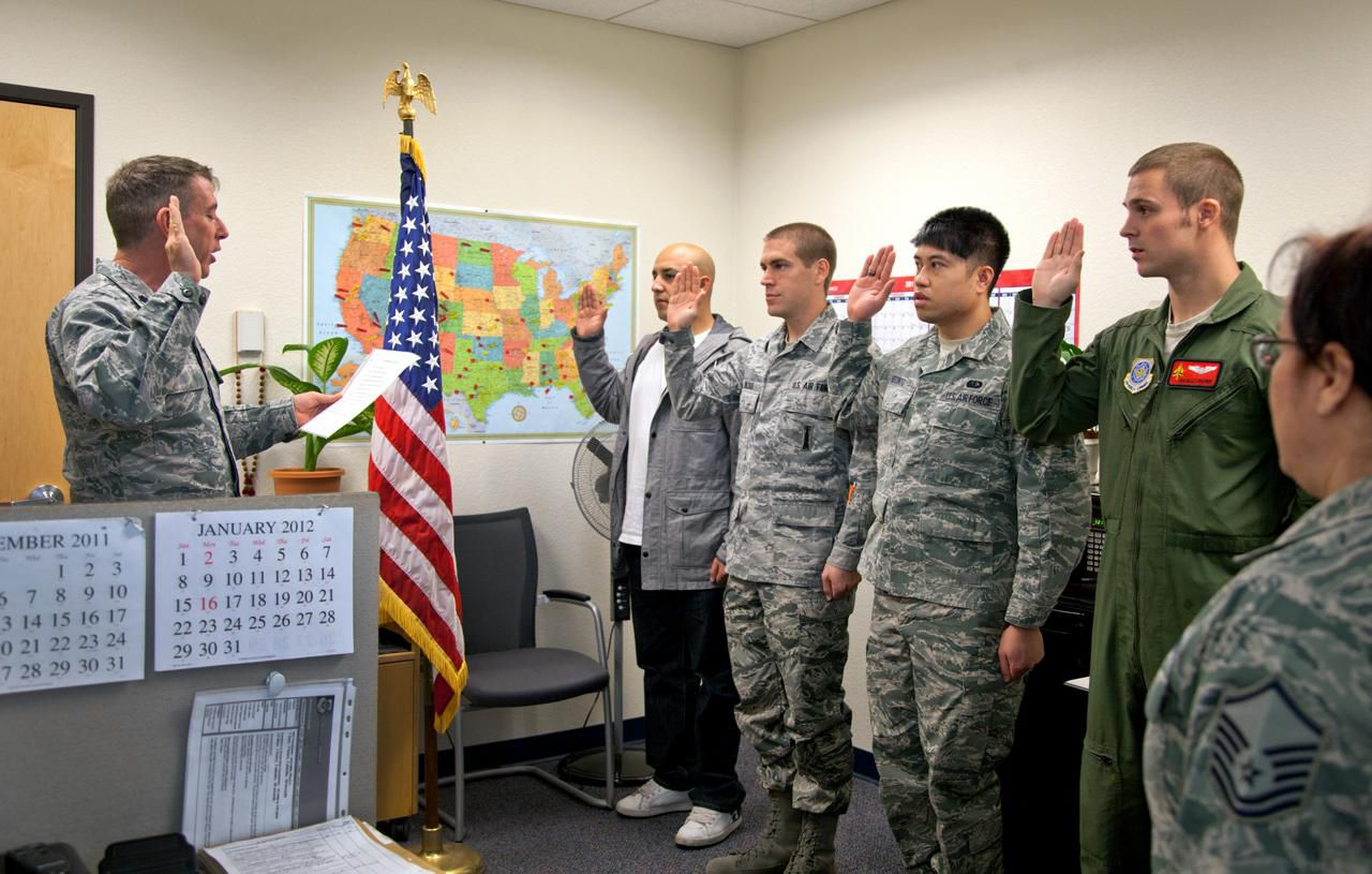 Us military enlistment standards heightweight do you have to be a us citizen to join the military nvjuhfo Image collections