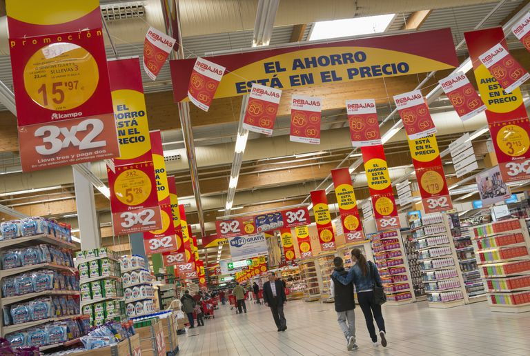 grocery store signage in Spanish