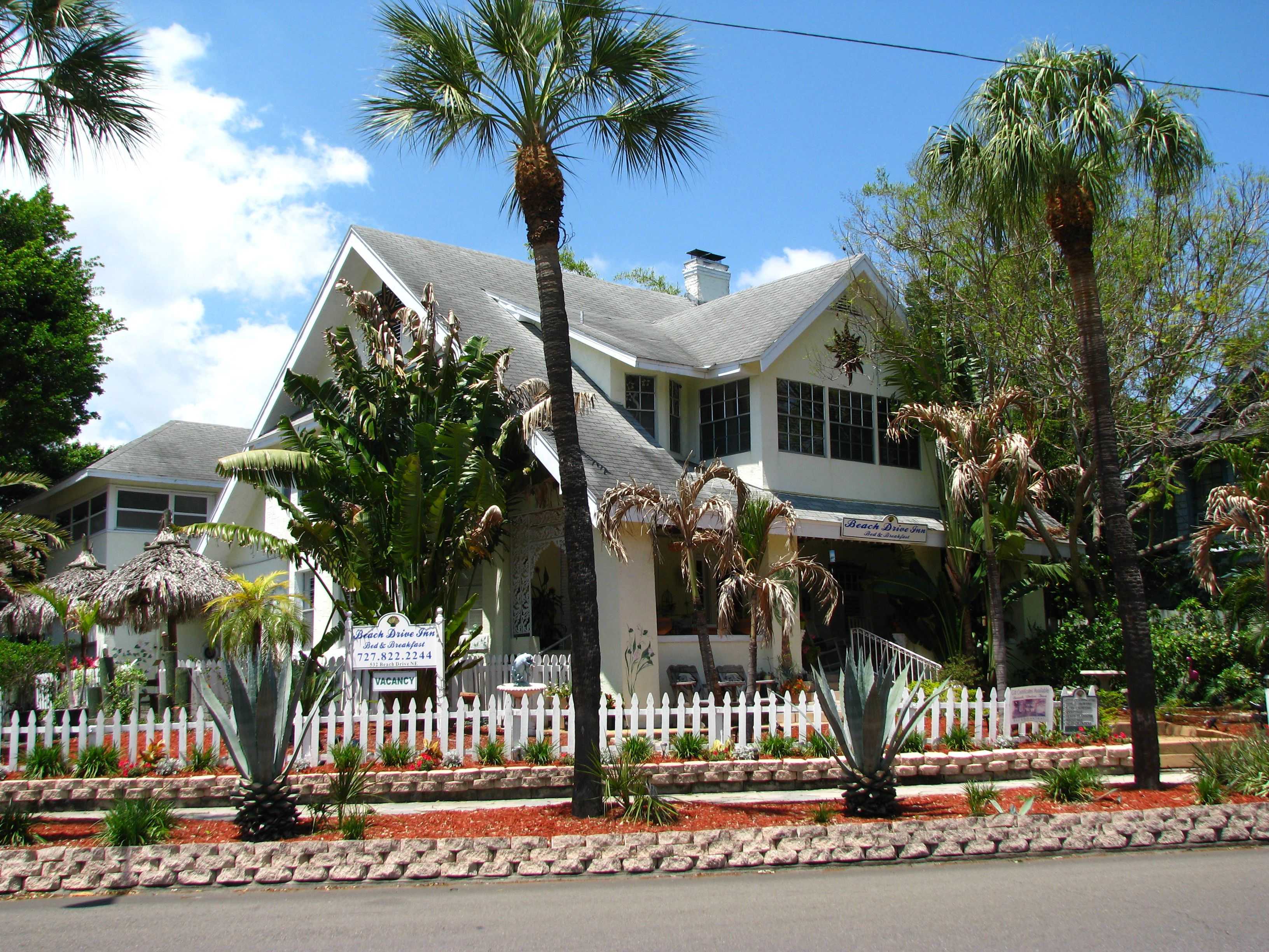 palm springs u0027 best friendly hotels and resorts