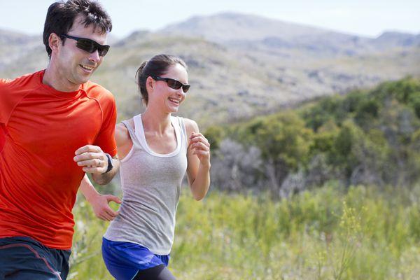 runners wearing sunglasses