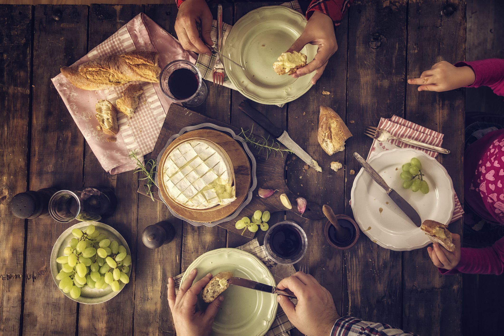 Learn Different Courses In A Formal French Meal