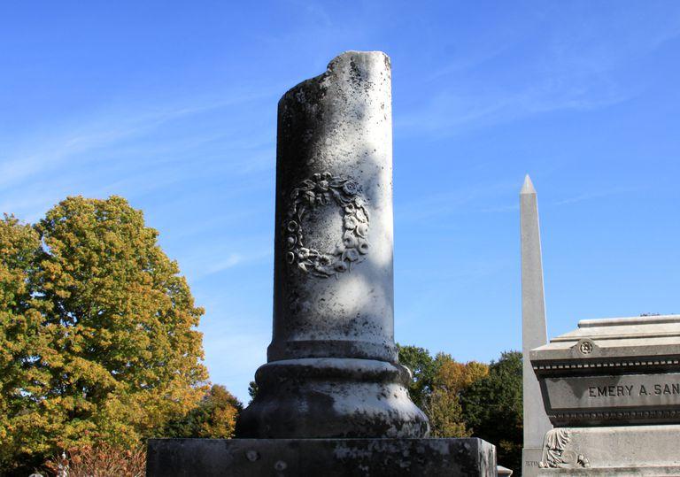 Broken cemetery column