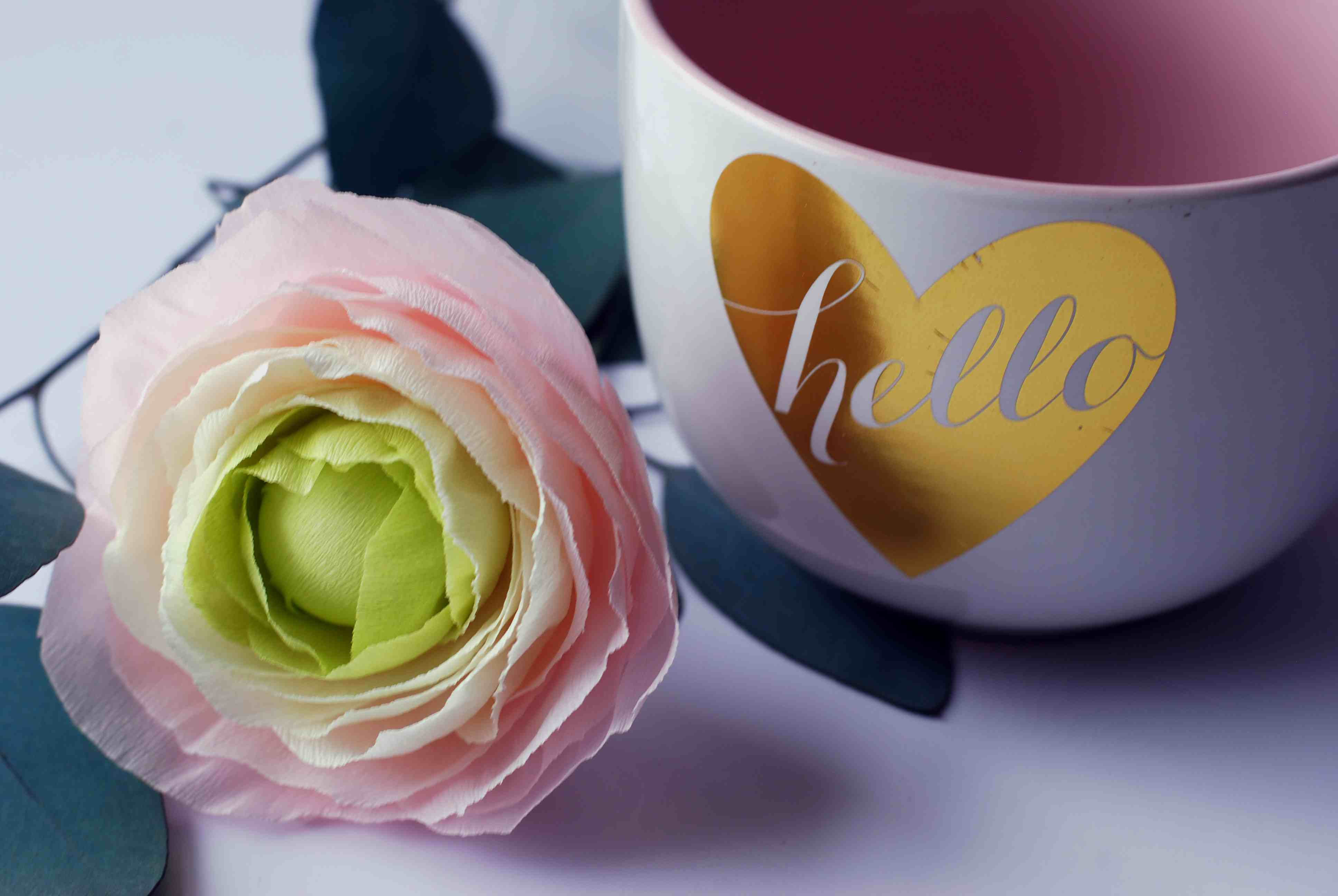 how to make a crepe paper ranunculus