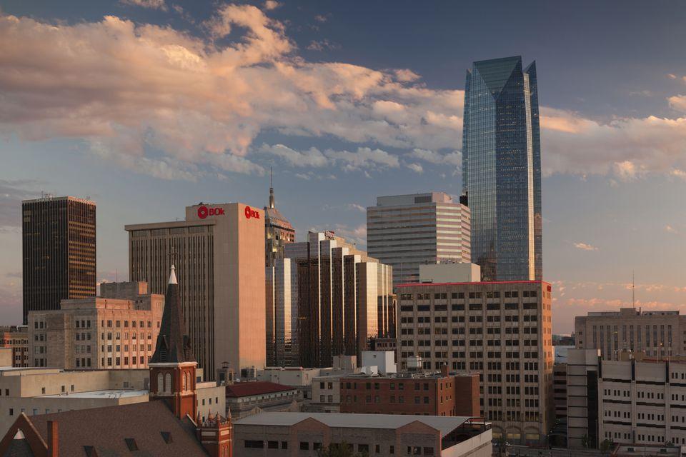 Devon Tower and city skyline at dusk, Oklahoma City, Oklahoma State, USA