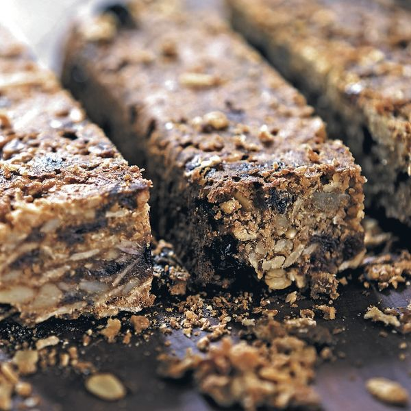Pre-made cereal breakfast bars are simple to make and great to grab and eat on the run.