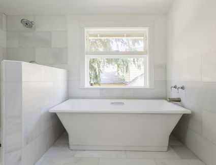 white tile bathroom floor. 16 Gorgeous White Marble Bathrooms 15 With Amazing Tile Flooring